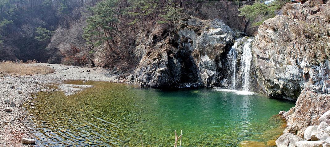 Janggak Waterfall