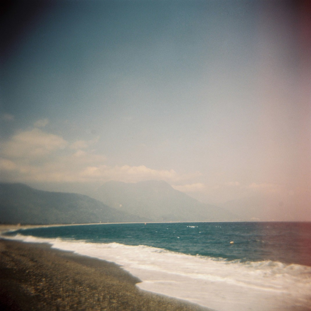 ChishingtanBeach Holga